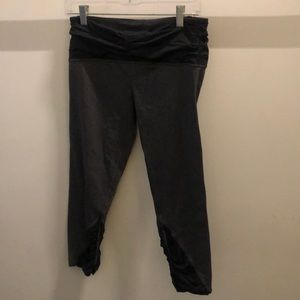 Lululemon black and gray crop legging, sz10, 72174